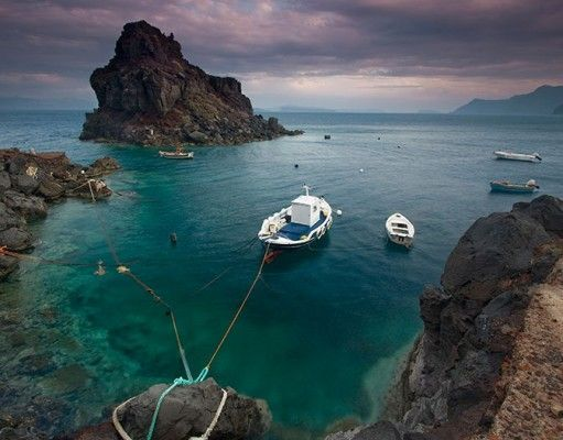 Diving on the island of Santorini