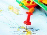 Reisen Sie zum Flughafen Santorin