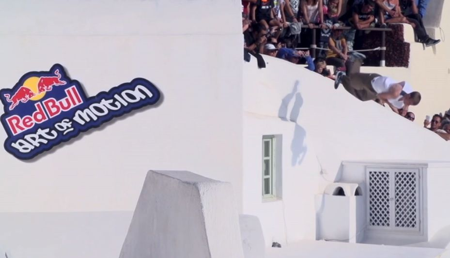Santorini Red Bull Art du mouvement